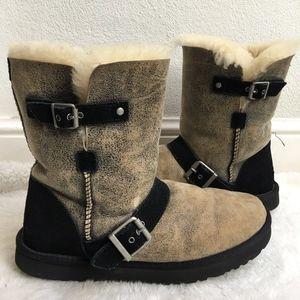 UGG 1001202 Short Dylyn BJB Sheepskin Boots 10